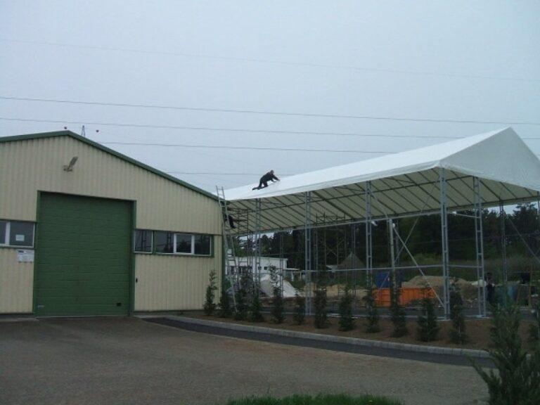 ponyva tető