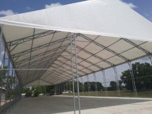 fehér sátor tető