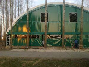zöld színű sátor ponyva