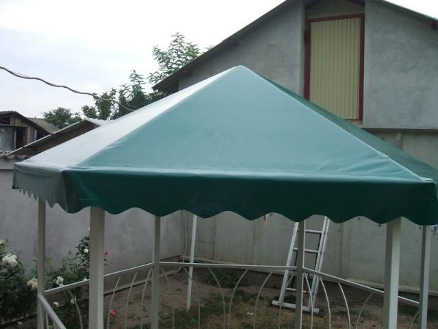 zöld színű pvc ponyva tető